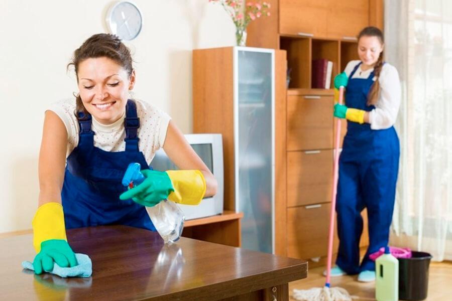 Auxiliar de Limpeza: O que faz, qualificações, vagas, salário...